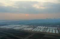 1月19日拍摄的石家庄市黄庄公寓隔离场所项目建设现场(无人机照片)。