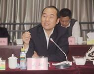 海口农商银行董事长吴敏做主题讲解