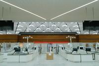 这是3月30日拍摄的成都天府国际机场T1航站楼内安检区域。新华社记者 刘梦琪 摄
