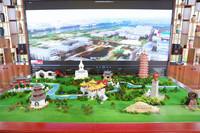 江蘇旅游職業學院師生使用面塑技藝制作的微縮揚州展臺。吳飆攝