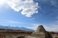 这是5月3日在吉日尕勒文化遗址拍摄的亚尔特拱拜孜古驿站。