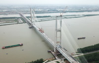 6月3日拍攝的安九鐵路鳊魚洲長江大橋(無人機照片)。