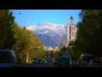 这里是新疆丨来宁静的小镇,尝尝古丽巴合的奶茶