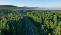 6月27日拍攝的塞罕壩國家森林公園晨景(無人機照片)。