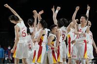 中国女篮队员赛后庆祝胜利。 图片来源:IC Photo 未经允许,严禁转载