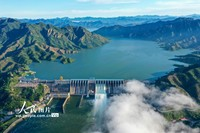 2021-10-27,河北省唐山市迁西县潘家口水库大坝泄洪放水。