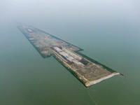这是9月5日拍摄的苏锡常南部高速公路太湖隧道工程南泉段施工现场(无人机照片)。