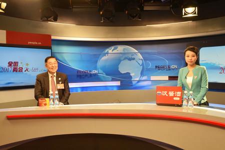 """中国侨联副主席乔卫以""""侨联工作新视角和侨胞公益""""为主题与网友在线交流"""