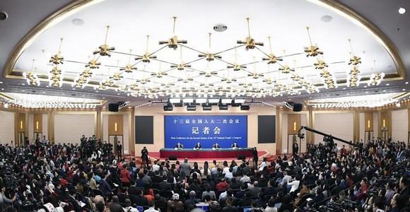 """王毅强势回应外交热点:不当""""沉默的羔羊""""!"""