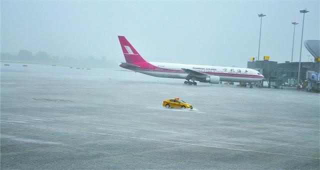 北京:首都机场昨日取消航班201架次