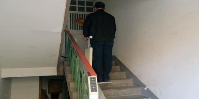 居民自费装电梯 造价超10万可承重300斤