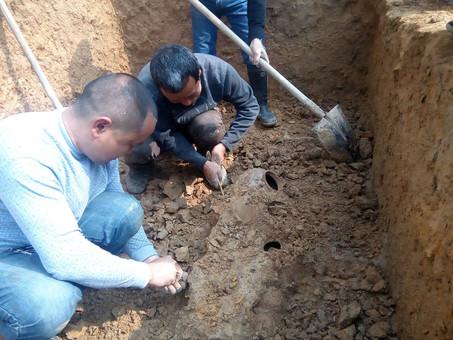 湖南湘西一村民建房挖出汉代古墓