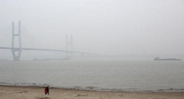 北方多地雪雾同行 局地能见度不足200米