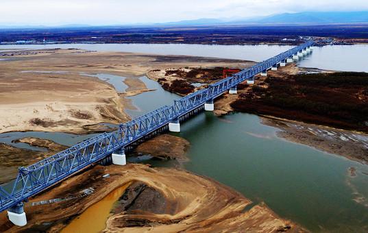 同江中俄铁路大桥建设稳步推进