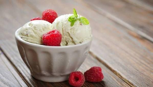 想吃冰淇淋怕长胖?美媒支招巧做家庭自制健康雪糕