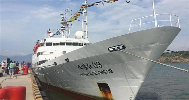 """""""蛟龙""""号返回青岛 中国大洋38航次科考结束"""