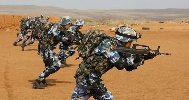 我驻吉布提保障基地首次组织实弹射击训练