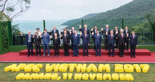 11月11日 习近平会见五国领导人