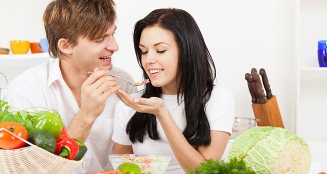 细嚼慢咽 吃饭太快或致代谢综合征风险高出五倍