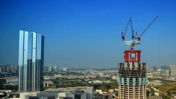 中国西部第一高楼建设进展顺利 高度已达150米