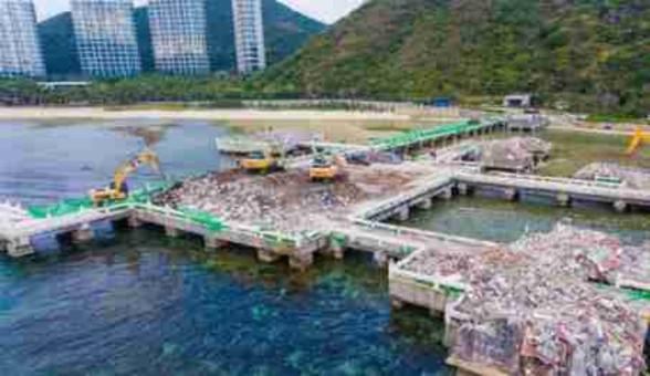 """三亚未批先建的""""海上餐厅""""已拆除"""