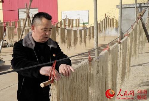 河南渑池东杨村:村民变股民  共走致富路