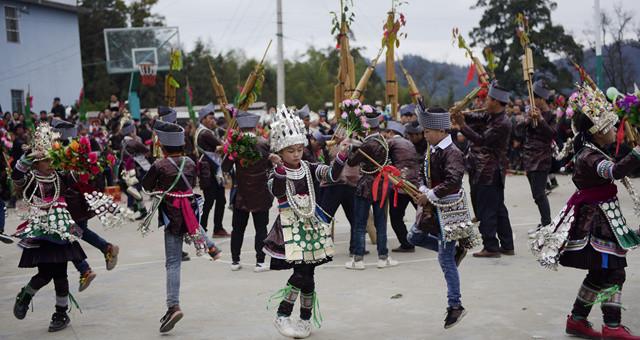 贵州从江:苗寨盛装舞步闹新春