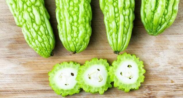 """7种食材堪称夏季""""良药"""" 六月上市的水果这样吃"""