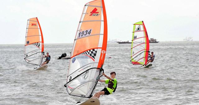 省运会帆船帆板比赛接近尾声 战况升级