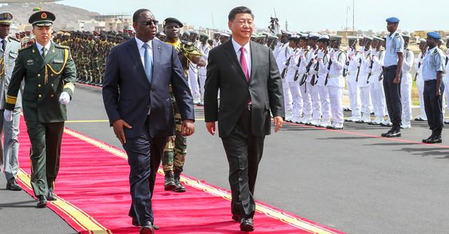 习近平开始对塞内加尔进行国事访