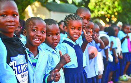 让每一个非洲家庭买得起、看得起、看得好数字电视