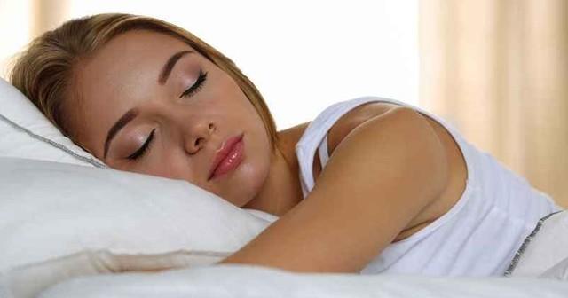 """睡七八小时最好,太多让人""""变笨"""""""