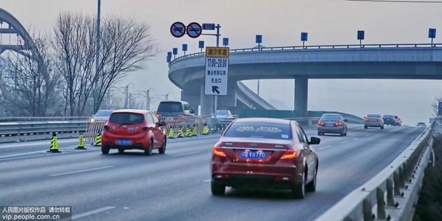 北京首条快速潮汐车道——莲石东路开通