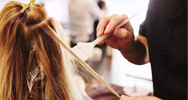 冬天头发最易受伤