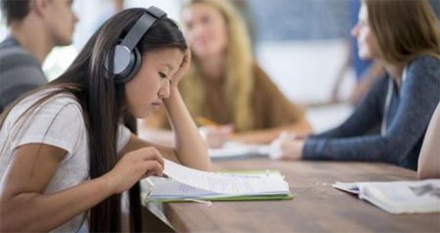 边学习边听音乐,破坏创造力