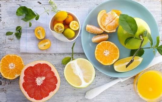 成人每天摄入蔬菜300~500克  利用水果减肥有讲究