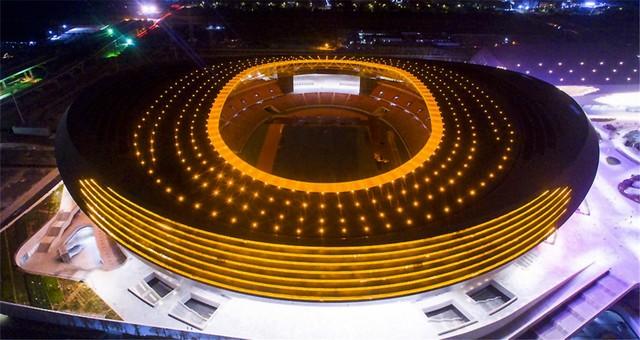 郑州奥林匹克体育中心点亮夜色