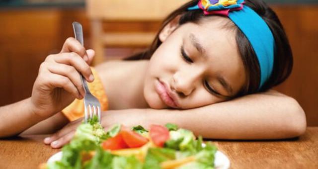 天热孩子没胃口吃好喝对才不厌食