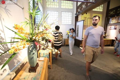 """再现""""古代花艺"""" 颐和园传统插花艺术展开幕"""