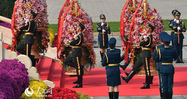 烈士纪念日向人民英雄敬献花篮仪式在京举行