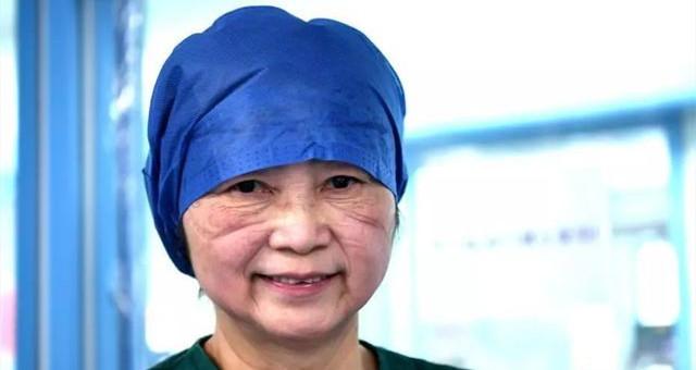 73岁院士李兰娟脸上的压痕