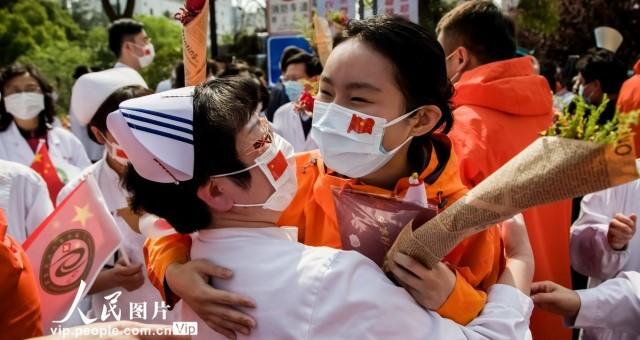 上海最后一批援鄂医疗队队员解除隔离归岗