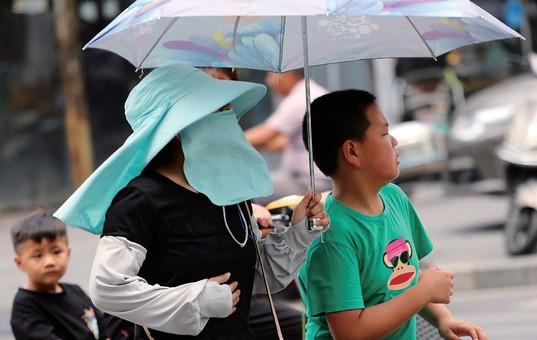 2日江苏多地高温预警 气温攀升至35℃以上