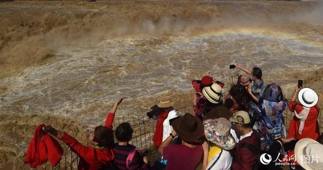 山西:黄河壶口瀑布景区恢复开放迎客