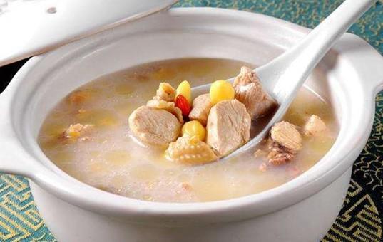 霜降靓汤:栗子白果炖土鸡
