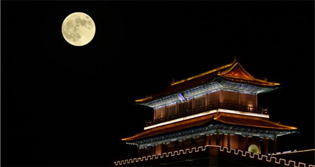 """【图片直击】河北正定:""""超级月亮""""耀古城"""
