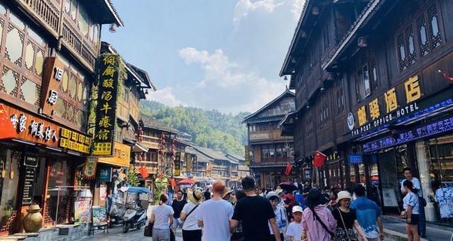 贵州肇兴侗寨国庆期间旅游综合收入1.2亿元