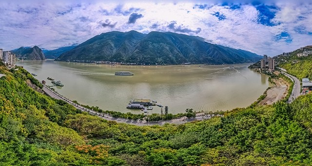 重庆:三峡水位升高 现高峡平湖景观