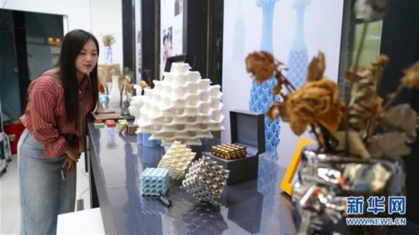 江西景德镇:3D打印让制作陶瓷更轻松