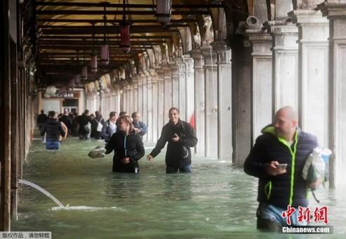 意大利极恶劣天气致10人死 威尼斯遭水淹